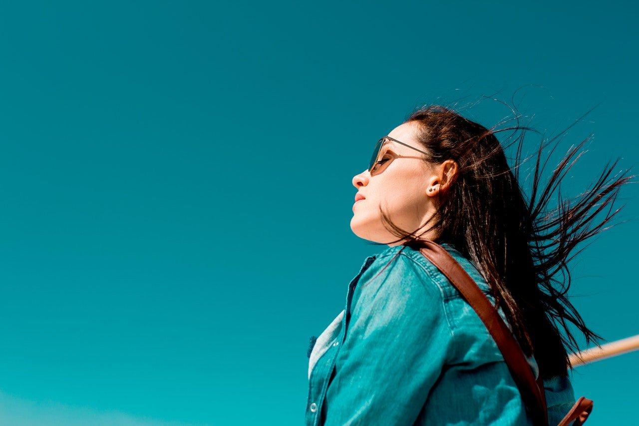 calm woman / meditation / prevent jet lag