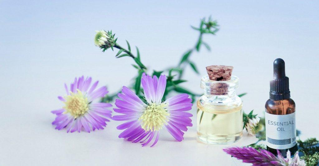 essential oils for travel / beat jet lag / lavender essential oil for jet lag